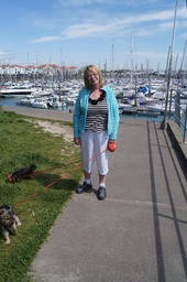 We had a lovely lunch just across the road from this beautiful marina.